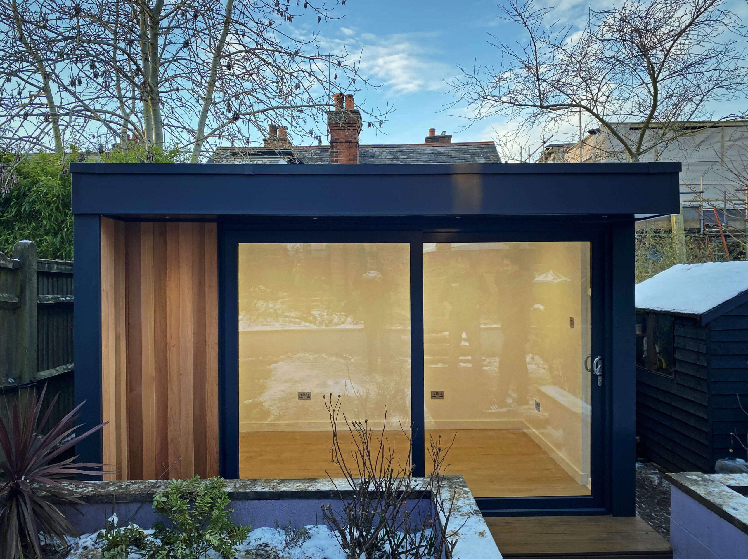 Midi Garden Office In Kent